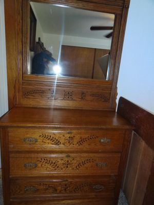 Spoon carved bedroom set for Sale in Pacific Grove, CA