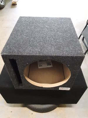 Single 12in vented subwoofer box for Sale in York, PA