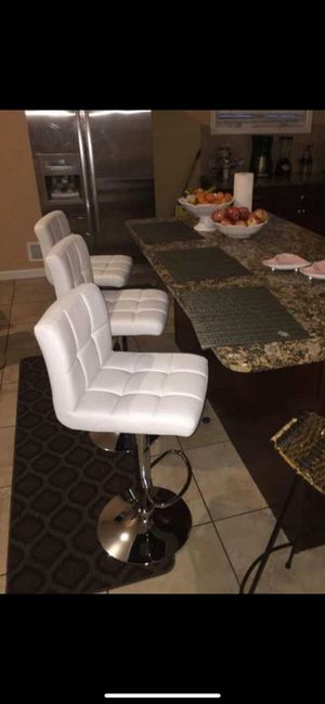 3 brand new white bar stools New in the box free delivery for Sale in Miami, FL