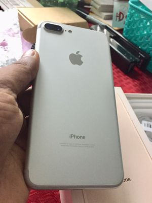 iPhone 7 Plus Factory unlocked Excellent Condition for Sale in Springfield, VA