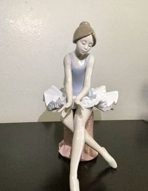 Vintage RARE Nao by Lladro Seated Ballerina Figurine for Sale in Brooklyn, NY