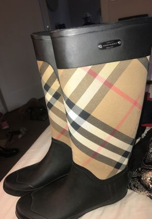 Authentic Burberry Winter Boots for Sale in Boston, MA