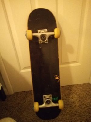 Skateboard: CSS blank 7.75 deck, Bones bearings, ATM wheels, Tensor 5.25 Mag Light trucks. for Sale in Modesto, CA