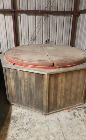 Hot tub for Sale in Fresno, CA