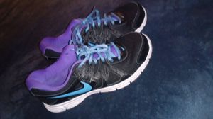 Nike women's shoes 7.5 for Sale in Henderson, NV