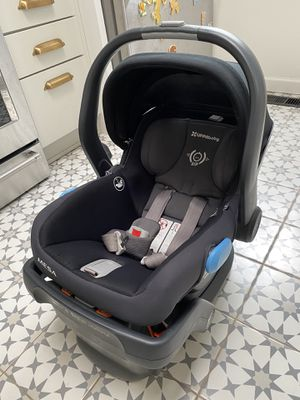 Uppababy Mesa infant car seat + two bases for Sale in Albuquerque, NM