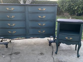 Gorgeous Antiqued French Provincial Dresser And Side Table / Nightstand for Sale in La Puente,  CA