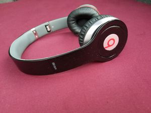 READ CAREFULLY!! WIRED!!! Headphones Beats by Dr. Dre Beats Studio By Dr. Dre ( cable is missing ) NO WIRELESS!! for Sale in Pomona, CA