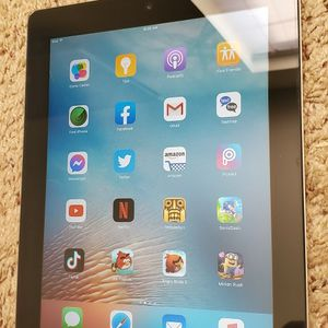 IPad 2nd Generation 16GB In Perfect Working Condition On IOS 9.3.5.. for Sale in Bakersfield, CA