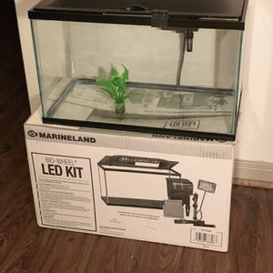 Aquarium Kit 10 gallon. Moving abroad, must sale. for Sale in Houston, TX