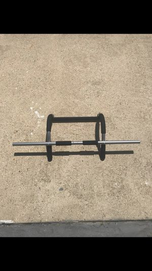 Iron Gym Doorway Pull Up Bar for Sale in Fort Washington, MD