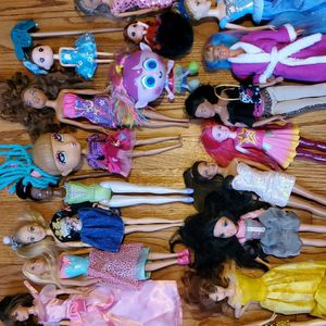 19 Dolls (Barbie & misc.) and Clothes for Sale in Riverside, IL