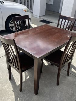 Dining Table for Sale in Wildomar,  CA