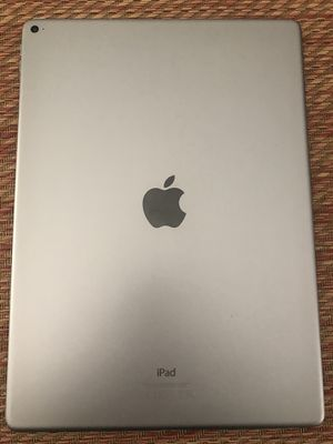 IPad Pro 12.9 inches 128 gb Space gray for Sale in Fairfield, CA