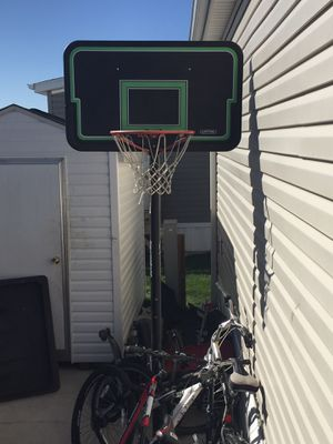 Basketball Hoop. for Sale in Glenview, IL