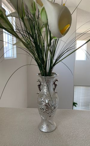 Mini vase with flowers silver for Sale in Moreno Valley, CA