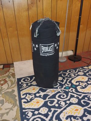 PUNCHING BAG for Sale in Peoria, IL