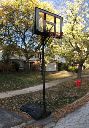 Fusion 48 Titan basketball hoop for Sale in Flossmoor, IL