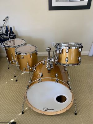 Taye Parasonic drum Set. for Sale in Long Beach, CA