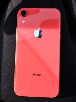 iPhone XR for Sale in Trenton, NJ