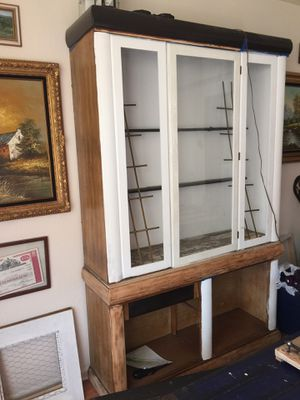 FREE PROJECT CHINA DISPLAY CABINET for Sale in Fountain, CO