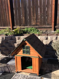 Dog House With Heater Inside 27.5x33 for Sale in Pleasanton,  CA