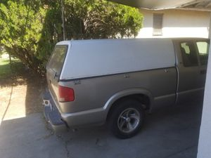 S10 camper for Sale in Fresno, CA