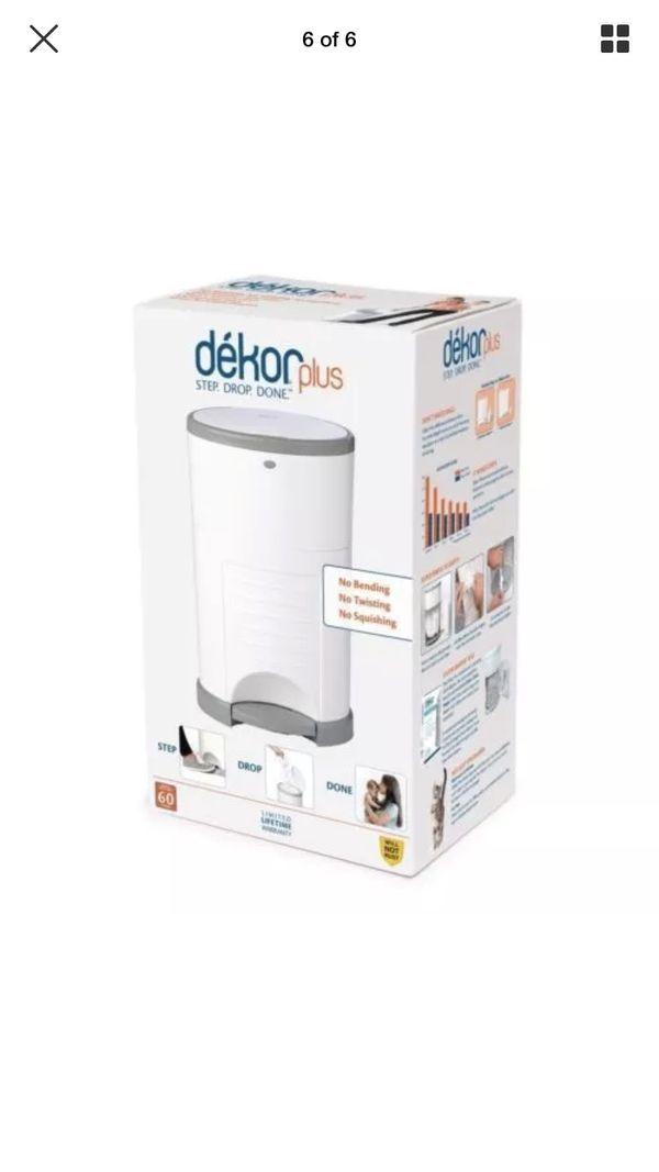 Dekor PlusHands-Free Diaper Pail, White