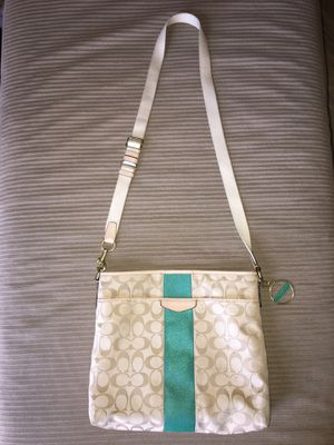 COACH PURSE CROSSBODY BAG for Sale in Beaumont, CA