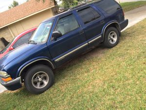2001 Chevy Blazer 4.3 V6 for Sale in Houston, TX