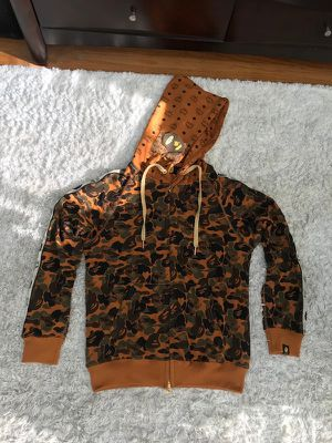 Bape Sweater and Sweats Tracksuit Size M S for Sale in Los Nietos, CA