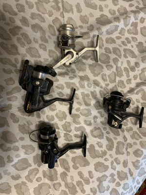 4 ultralight reels perfect for ice fishing or pan fishing we're 49.99 each when new for Sale in Chicago, IL