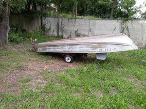 14ft aluminum fishing boat for Sale in Joliet, IL