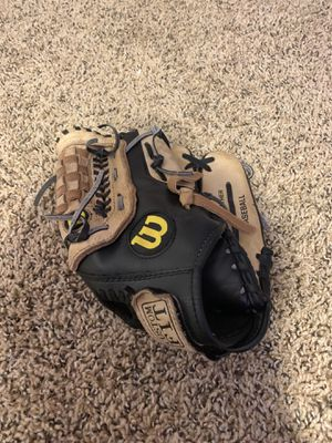 Baseball glove for Sale in Baltimore, OH