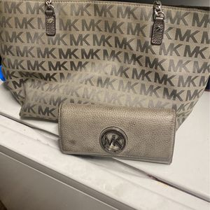 Michael Kors Purse with Wallet for Sale in Glendale, AZ
