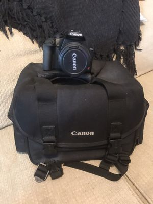 Canon EOS rebel XS with case for Sale in MAGNOLIA SQUARE, FL