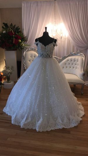 Wedding dress ball gown size 14 street size 10 corset for Sale in Las Vegas, NV
