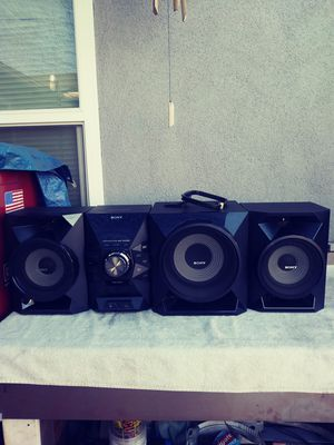 New Stereo with 3 speakers for Sale in Montclair, CA