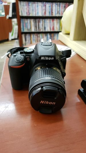 Nikon D5600 Camera for Sale in Chicago, IL