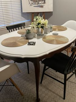 Oval Dining Table for Sale in Atlanta,  GA