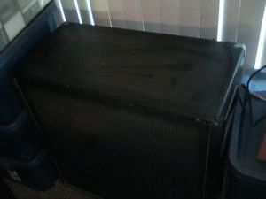 CARVIN 420 speaker cabinet used to belong to LA Guns guitarist, Traci Guns bought '94 N Hollywood, CA for Sale in Columbus, OH