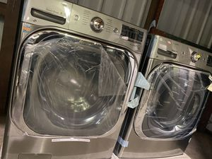 Brand new washer and gas dryer for Sale in Winter Haven, FL