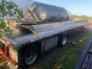 2007 utility flatbed 48x102 spred axle for Sale in Houston, TX