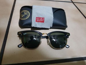 Rayban clubmaster sunglasses for Sale in Chicago, IL
