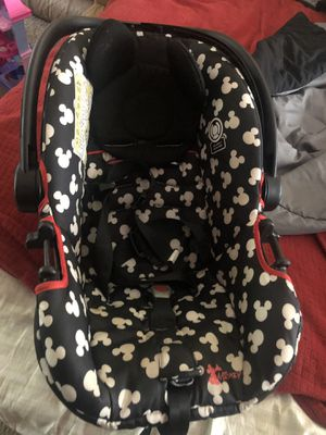 Mickey infant car seat for Sale in Summerfield, FL