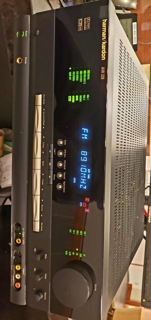 Carmen/Kardon AVR-320 Stereo home Receive. Almost Mint condition. Sadly 😬 I lost the remote control. for Sale in Vancouver, WA