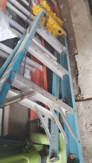 3ft ladder for Sale in Irving, TX