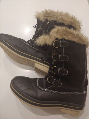 Ladies Leather/fur sz 9 SNOW BOOTS for Sale in Silver Spring, MD