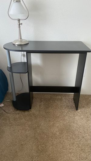 Small desk for Sale in Fort McDowell, AZ