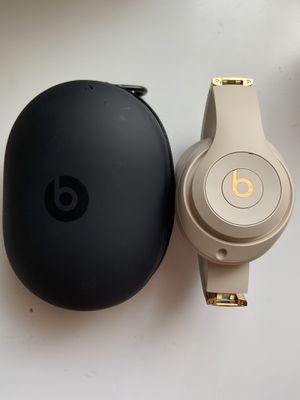 Cream/Gold Beats Studio 3 wireless for Sale in Berwyn Heights, MD